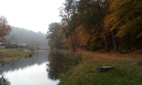 FOTKA - Podzim u řeky Oslavy