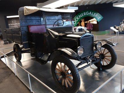 FOTKA - Nejvýše položená výstava aut na Grossglockneru - Ford TT