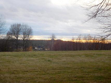 FOTKA - Pohled z okna rodičů - západ sluníčka (8.12.)