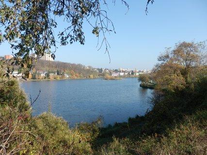 FOTKA - rybníky a jiná voda: rybník v Praze-Kyjích