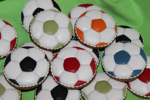 FOTKA - perníky-futbalové lopty-detail