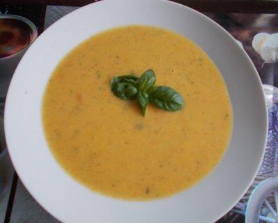 FOTKA - dýňová polévka s přízdobou