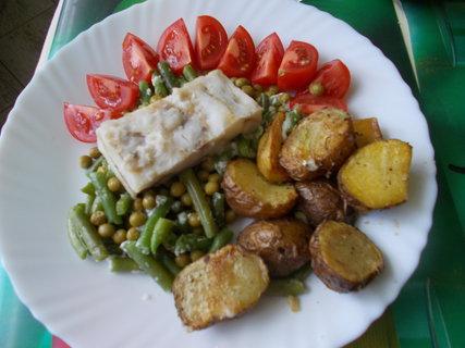 FOTKA - samá zelenina a kousek ryby