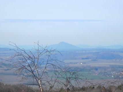 FOTKA - Kopce Lužických hor v oparu (23.2.)