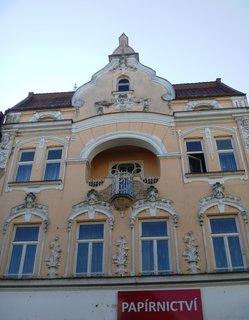 FOTKA - hezký dům s obchodem