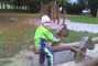 Dominik - v parku na houpačce