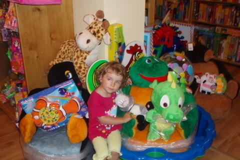 FOTKA - Veronika v hračkařství