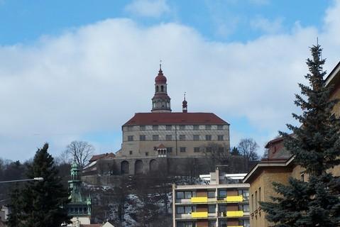FOTKA - náchodský zámek -z města