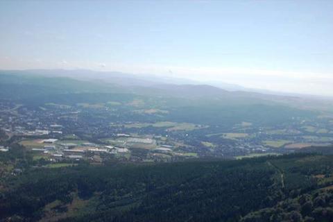 FOTKA - Pohled z Ještědu  na Jízerské hory i Krkonoše