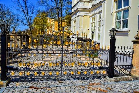 FOTKA - Pozlacená brána
