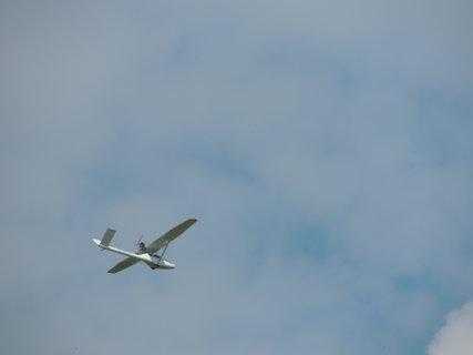 FOTKA - Letadlo s malým motorkem
