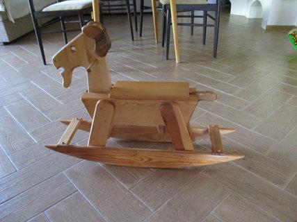 FOTKA - Místo koníka ,je kozlík