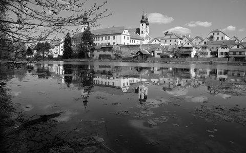 FOTKA - Zrcadlení Telče v Ulickém rybníku