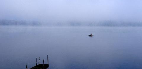 FOTKA - Lipno v ranní mlze