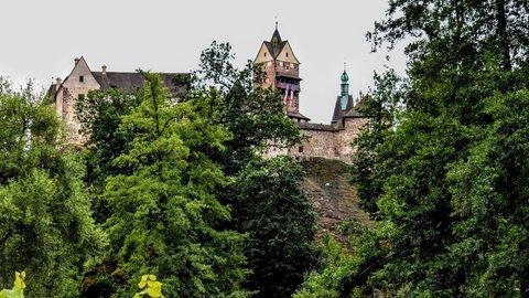 FOTKA - Malinko ukrytý hrad Loket