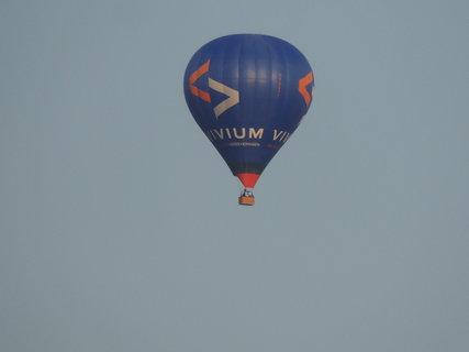 FOTKA - Balon nad zahradou 4.8.