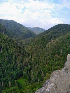 FOTKA - Tomášovský výhľad je skalný výstupok terasovitého tvaru v Slovenskom raji, na južnom svahu Ludmanky