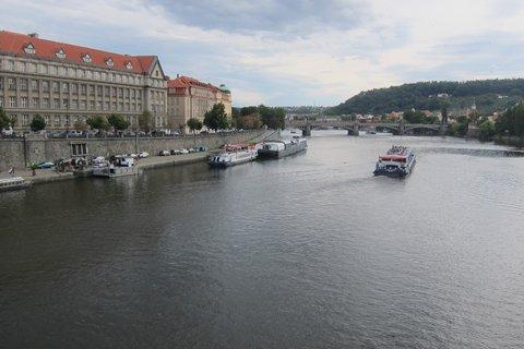 FOTKA - Dnešní akce - Nad Vltavou je napnuté lano ve výšce 35m