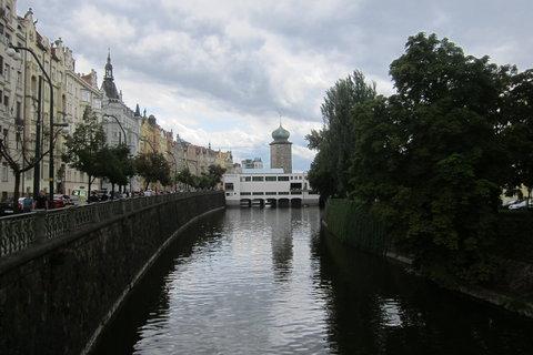 FOTKA - Z můstku ze Slovanského ostrova: Mánes