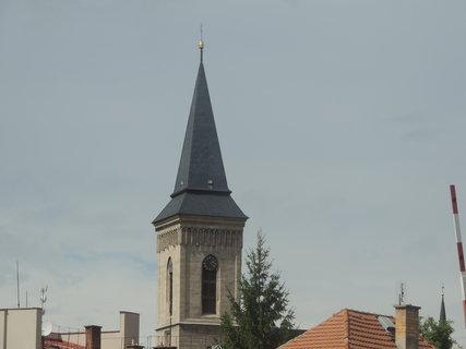 FOTKA -  Věž kostela Matky Boží Na Náměti
