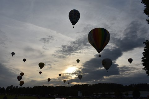 FOTKA - Let podvečerní oblohou