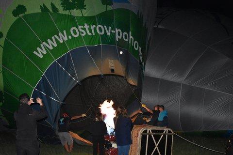 FOTKA - Večrní balonová šou