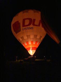 FOTKA - Osvícený noční balon