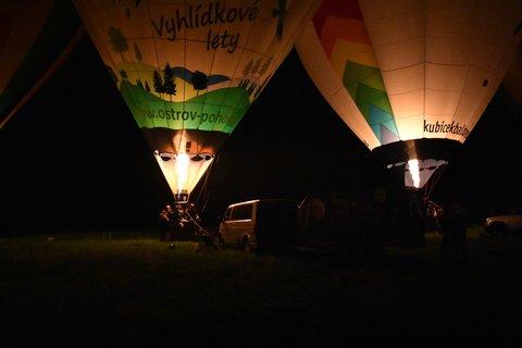 FOTKA - Dva noční balony