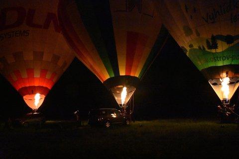FOTKA - Tři svítící balony