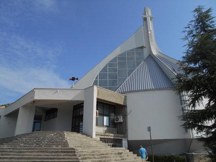 FOTKA - Nový kostel v Neumu
