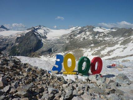 FOTKA - Ledovec Presena leží v nadmořské výšce 3000 m