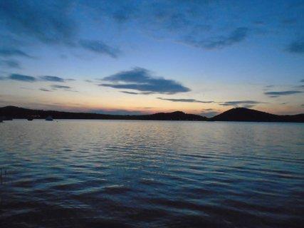 FOTKA - Máchovo jezero večer