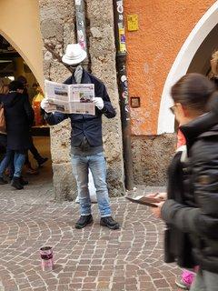 FOTKA - Innsbruck - Bezhlavý umělec