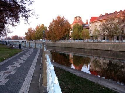 FOTKA - Hradecké nábřeží u muzea