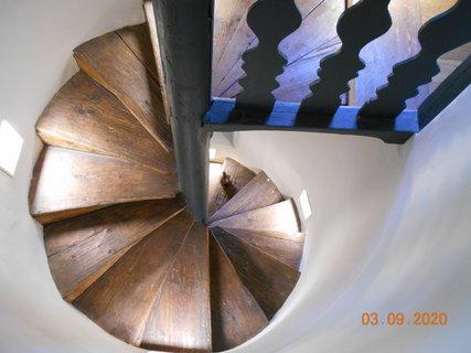 FOTKA - Točité schody do sálu