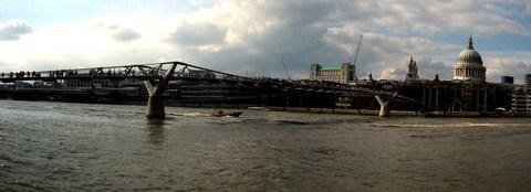 FOTKA - Millenium Bridge a Katedrála Sv. Pavla