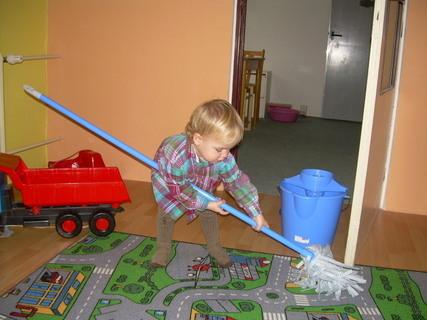 FOTKA - Mám si v pokojíčku uklidit..