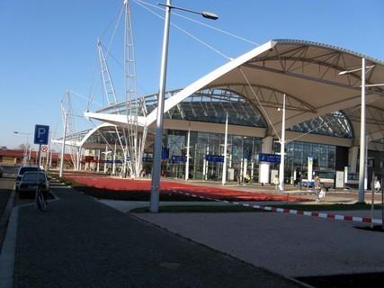FOTKA - Hradecký terminál, dálková a městká doprava