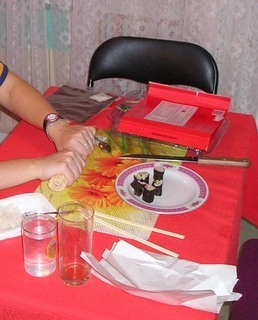 FOTKA - Sushi - rolování