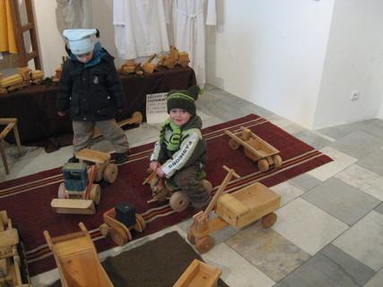 FOTKA - Ondrášek na výstavě hraček
