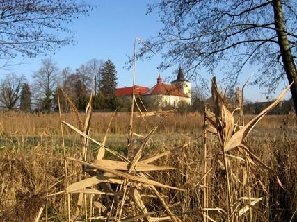 FOTKA - Venkovský kostel za humny