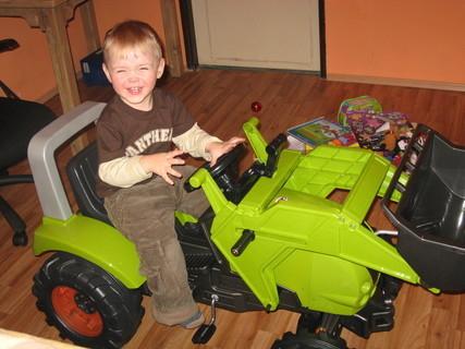 FOTKA - Ježíšek mi přinesl traktor