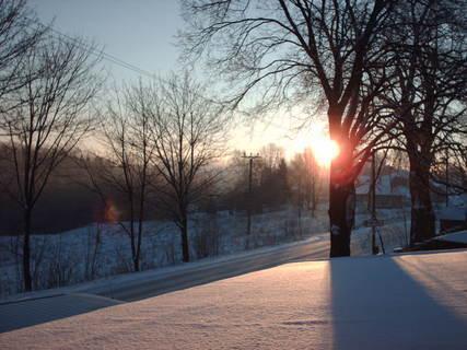FOTKA - Východ slunce za stromem -  3.1.2009.