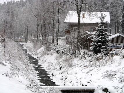FOTKA - Potok a chajda na horách