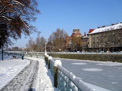 FOTKA - Muzeum a zamrzlé Labe
