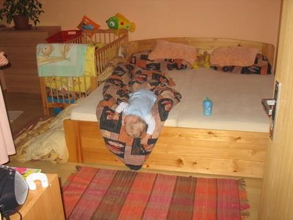 FOTKA - Jak spí Ondrášek.....