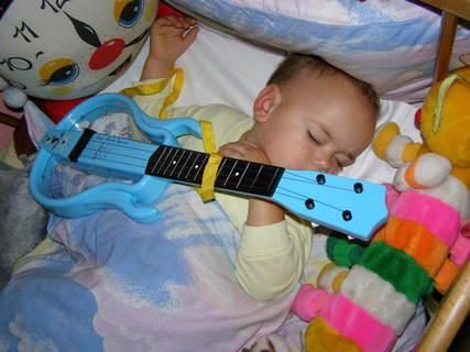 FOTKA - Matěj s kytarou