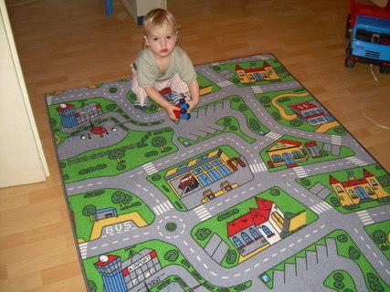 FOTKA - Můj koberec v pokojíčku