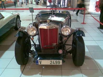 FOTKA - První sportovní automobil