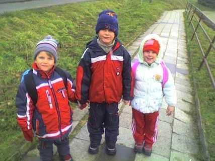 FOTKA - Dnešní vycházka - Domka,Ondra a Adélka